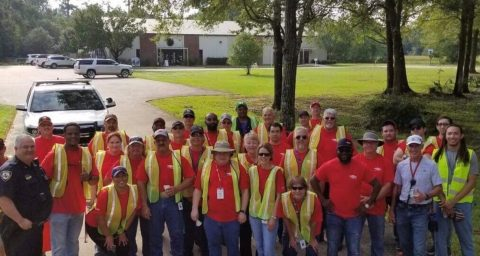 Dow Sabine River Employees Remove Trash From MLK Drive