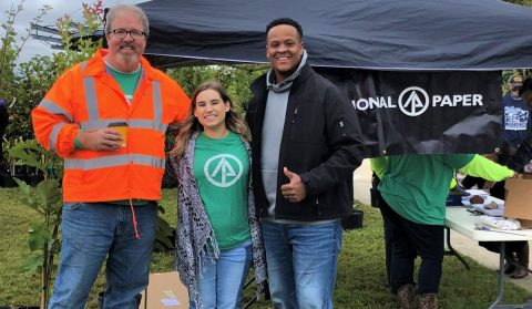 International Paper Distributes 1,000 Trees to Orange Homeowners