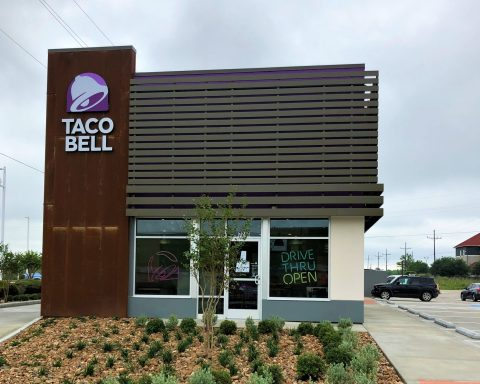 New Taco Bell Opens for Business