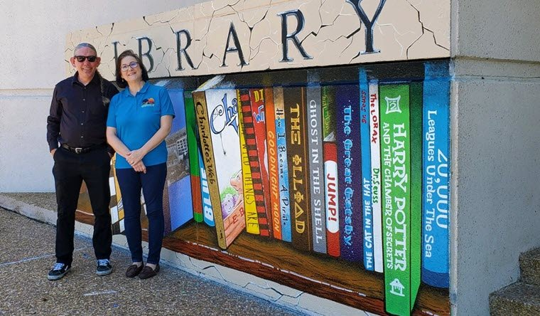 Orange Public Library Receives Mural
