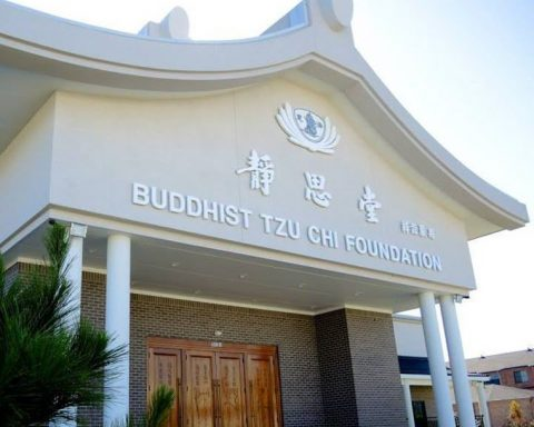Buddhist Tzu Chi Foundation-Southern Region Holding Drive-Thru Distribution on Oct. 3
