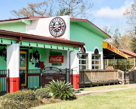 Tia Jaunita's Fish Camp to Open in Orange