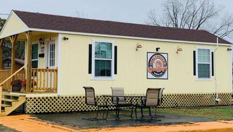 Frozen Orange Daiquiri Shop Opens on Green Ave.