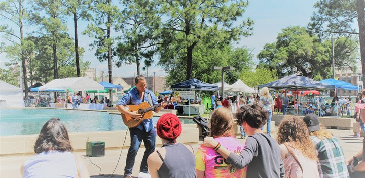 Art in the Park and Orange Riverfront Car Show Seeking Vendors and Food Trucks