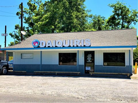 Tropical Vibe Daiquiris Opens for Business